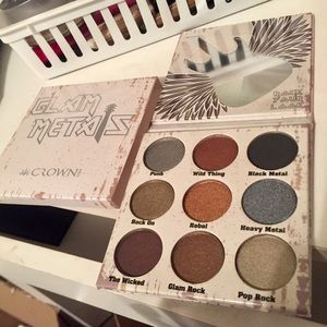 Crown Pro Glam Metals palette